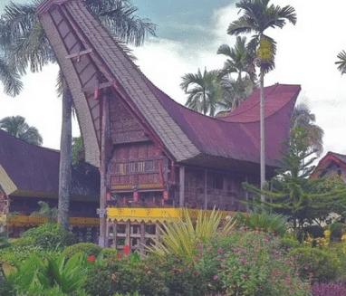 Rumah-adat-di-Sulawesi-Selatan-struktur-fungsi-ruang